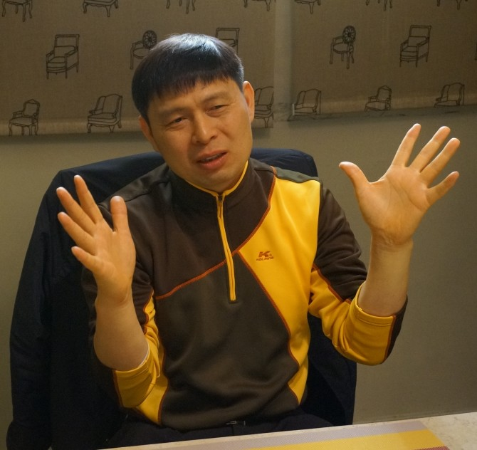 """이윤조 책임연구원은 """"손수 개발한 원천기술이 상용화되는 모습을 지켜볼 때 가장 큰 보람을 느낀다""""고 말했다. - 대전=이우상 기자 idol@donga.com 제공"""